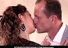 PINUP SEX - Czech pinup beauty Bella Baby gets her pussy fucked deep