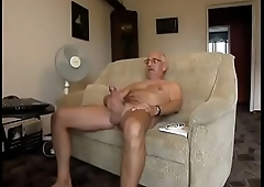 O coroa s&oacute_ queria aproveitar e se masturbar
