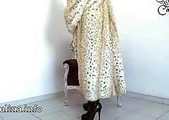 Mature Herrin Carmen Traegt Pelzmantel Fur Coat Overknee Factotum Furfetish