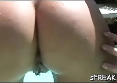 Weenie starving pornstar gest naughty on her deep muff