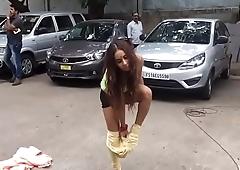 Telugu actress getting naked herself