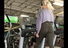 Fine Ass in Leggings on Treadmill