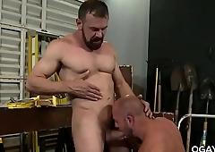 Mature men fucks at work