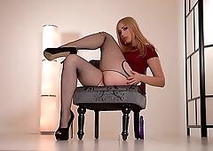 Alana Moon teases in Pantyhose then fucks myself to Orgasm