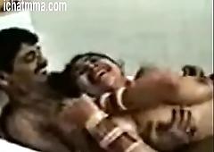 00404005 Desi bengali couple sex Bathtub