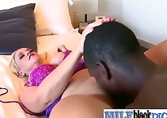 Dee Siren sexy mature lady like her pussy get licked