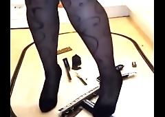 Giantess Cathy destroys intercity 125 in heels - Zamodels.com